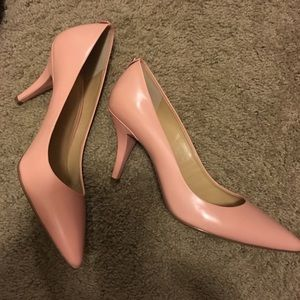 Michael Kors light pink/salmon color pumps
